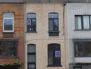 Contactname: Eline Ampe - 0478/36.20.40<br /> Recent gerenoveerde herenwoning op slechts 10 min van het historisch centrum van Gent. De woonst ligt vl