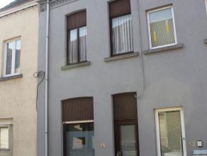 Contactname: Eline Ampe - 0478/36 20 40<br /> Deze knusse woning bevindt zich in het centrum van Deinze, vlakbij het station en invalswegen.<br /> Op