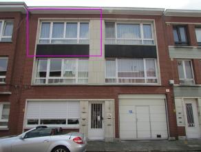 Nabij het Rivierenhof ligt op wandelafstand dit gezellige appartement in een rustige straat. Het appartement bevindt zich op de 2de verdieping van een
