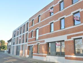 Prachtig gerenoveerd appartement van ca 114m² in het centrum van Hoevenen. Het appartement bevindt zich op de 2de verdieping in een prachtig pand