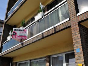 Dit tot in de puntjes verzorgde appartement kan uw nieuwe thuis worden . Het bevindt zich in een rustige straat dichtbij het centrum van Stabroek . U