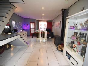 Herseaux ! Belle maison d'habitation comprenant : Hall, salon, salle à manger avec escalier apparent, grande cuisine ouverte et full équ