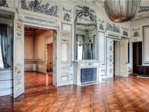 Aanbod volgens Troostwijksysteem met vaste afloopdatum 29/06 om 16u.In het centrum van Luik, wordt het multifunctionele historische gebouw, Le Radeski