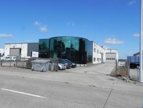 Aanbod volgens Troostwijksysteem met vaste afloopdatum 12/09 om 16u. Op het bedrijventerrein De Kluis, nabij Hoogstraten en de E19, wordt een werkplaa