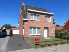 Deze verzorgde woning, HOB, op 318m², is gelegen in een aangename verkaveling in het centrum van Sint-Lenaarts nabij scholen, winkels, openbaar v