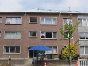 Centraal gelegen appartement op de 1ste verdieping (zonder lift) aan het park van Brasschaat! Winkels, openbaar vervoer en scholen zijn op wandelafsta