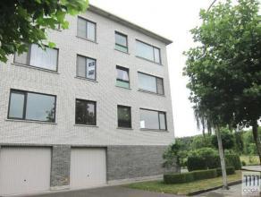 Appartement 100m² op de 2e verdieping met lift, groen gelegen op het einde van een doodlopende straat, nabij E19. Het appartement is ingedeeld al