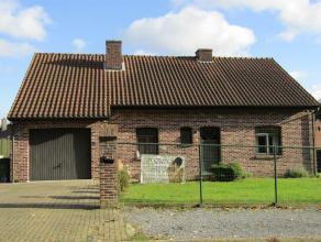 Vrijstaande woning, ruime tuin, zonnepanelen en inpandige garage Deze gezinswoning met een perceeloppervlakte van 8a92 ca. is gelegen in een rustige e