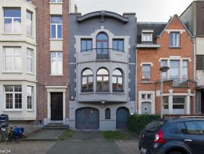 Residentieel gelegen karaktervolle woning uit de jaren dertig in de Oosterveldwijk met grens Wilrijk. Ca 275 m² bew. opp. met prachtige leefruimt