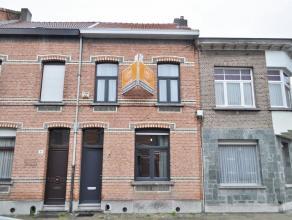 Gezellige gerenoveerde woning op wandelafstand van de Bist te Wilrijk. Ca 130 m² bew.opp. ingedeeld in een aangename woonruimte, keuken met aansl