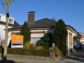 Prima gelegen gelijkvloerse villa met tuin en garage in de residentiële Elsdonkwijk nabij scholen en de meeste verbindingen in het Z van Antwerpe