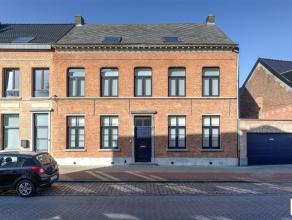 Nabij het Steytelinckpark is deze verrassende & riante HOB uit de 19e eeuw gelegen. Met maar liefst ca 1000 m² grond en ca 360 m² bew.op