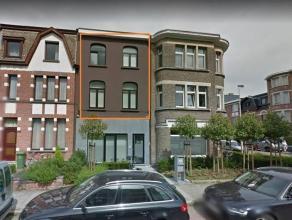 Prima gelegen en volledig instapklaar duplex appartement in hartje Pulhof. Ca 100 m² bew. opp. met aangename leefruimte op parket, ingerichte keu