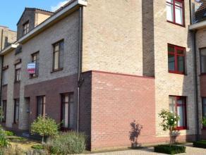 Inkomhal ca. 9 m² beige tegelvloerGastentoilet ca. 1.35 m² grijze tegelvloer - witte wandtegels - handenwasserLiving ca. 34 m² laminaat
