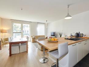 Dit prachtig nieuwbouwappartement op de 1ste verdieping is zeer gunstig gelegen te Mortsel.  De ligging biedt u een perfecte bereikbaarheid naar de be