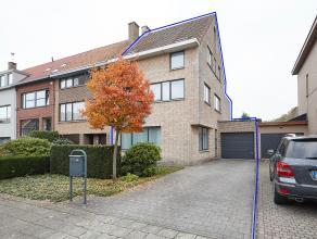 Deze prachtige en zeer ruime woning is rustig gelegen te Mortsel. De omgeving staat garant voor absolute rust en een goede bereikbaarheid. <br /> <br