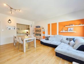 Dit recent volledig gerenoveerd appartement is rustig en gunstig gelegen te Wilrijk, nabij winkels, openbaar vervoer en scholen.<br />  <br /> Via de