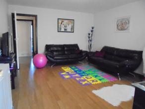 Ruim appartement met 2 kamers in centrum Gistel.<br /> <br /> Dit appartement biedt een ruime living met halfopen keuken + berging, badkamer met lig