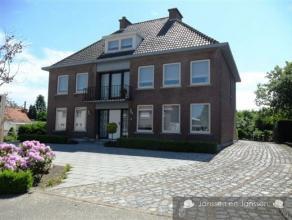 Ref : 1306156  Authentieke, stijlvolle én ruime villa op perceelsoppervlakte van 1020m² met 6 tot 10  slaapkamers, dubbele inpandige garag