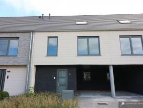Nieuwbouwwoning op 140 m² met 3/4 slpks, tuin + terras en 2 autostaanplaatsen in doodlopende straat in Brasschaat. Bouwjaar: 2016Opp. perceel: 14
