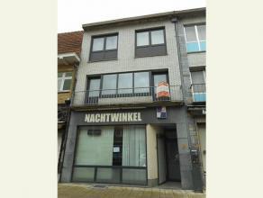 Dit duplex appartement te Genk bestaat uit een inkomhal, living, keuken, berging, badkamer, 2 slaapkamers en een terras.De vaste kosten van euro 15,00