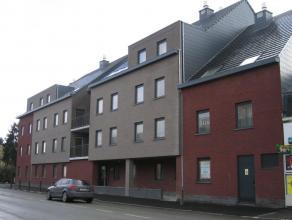 ''Chaussée du Roeulx, 266 Hall, séjour, cuis. éq., WC, SDB, 2 ch. Possibilité cave et emplacement parking.'' Libre d'occup