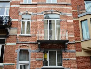 Deze mooie herenwoning is ingericht als opbrengstpand en ligt in een rustige en aangename buurt in hartje Leuven. Het opbrengstpand omvat 10 studenten