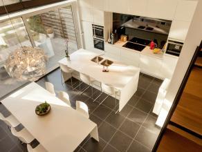 Deze prachtige woning, gelegen op slechts enkele minuten rijden van Leuven, is een droom voor design liefhebbers en perfectionisten onder ons. De buit