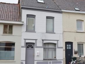 Deze woning is gelegen in een rustige straat op wandelafstand van het station. De woning omvat een gezellige leefruimte, ruime ingerichte eetkeuken me
