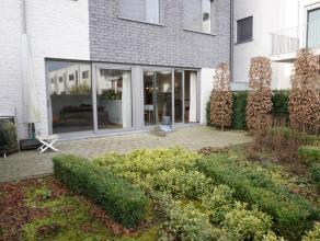 """De kernwoorden voor dit recent gelijkvloers-appartement zijn: """"luxueus - ruim - prachtig terras met tuintje - topligging aan het toekomstige Park Bell"""