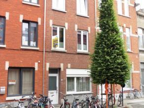 """Deze ruime woning met 5 slaapkamers en 2 badkamers is de ideale gezinswoning waarbij er eventueel gebruik kan worden gemaakt van de zogenaamde """"kotmad"""