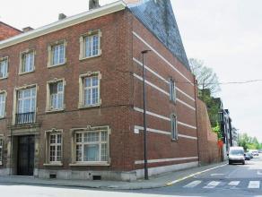 Statige en ruime herenwoning in het centrum van de stad met woon- én kantoorgedeelte. Deze instapklare woning omvat: meerdere kelders (stook-,