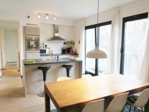 beschrijving Nieuw, modern appartement (85m²) gelegen op de 3° verdieping van Residentie Cuylits. Inkomhall met plaats voor een vestiairekast