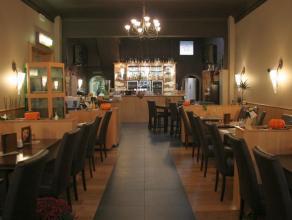 Zeer goed draaiend restaurant over te nemen, gelegen in de omgeving van het station.<br /> <br /> Het restaurant telt binnen 50 zitplaatsen en 30 op