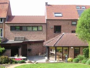 Op slechts 6km van het centrum van Leuven vind u deze zéér goed afgewerkte en ingerichte woning met een bewoonbare oppervlakte van +/- 1