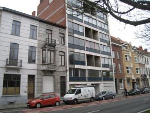Mooi appartement met 2 slaapkamers in de stadsrand van Leuven op 10 minuten wandelen van het station.<br /> <br /> Het appartement is gelegen op de ee