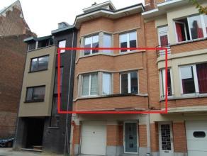 Mooi, volledig bemeubeld appartement in het centrum van Leuven en op een boogscheut van Leuven station.<br /> <br /> Het appartement bestaat uit een m