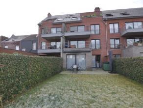 Dit ruim appartement met 2 slaapkamers, een aangelegd terras en een mooi onderhouden tuin biedt de ideale woonplaats voor personen die graag gelijkvlo