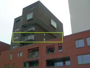 Instapklaar appartement met 2 slaapkamers en mooi zicht op het keerdok en de jachthaven, gelegen in residentie Winketkaai.<br /> <br /> Dit rustig gel