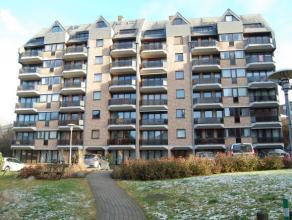 Prachtig gemeubeld dakappartement met 2 slaapkamers gelegen op een rustige locatie te Heverlee.<br /> <br /> Het appartement bestaat uit een inkomhal