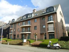 Zeer mooi triplex-appartement, ca. 150m², in Residentie Victoria,  gelegen in het centrum van Leuven, vlakbij Gasthuisberg.<br /> <br /> De toega