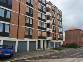 Leuk appartement met 2 slaapkamers en panoramisch uitzicht over het centrum van Heverlee. Via de inkomhal met vestiairekast heeft u toegang tot de woo