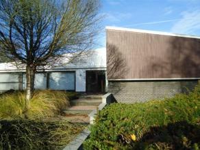 Op 3 km van Leuven, te Herent, ligt deze ruime alleenstaande, residentieel gelegen villa op een terrein van 10a 16ca en heeft een bruikbare vloeropper