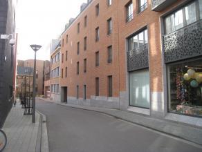 Ruim, gemeubeld appartement met twee slaapkamers gelegen in het Barbarahof. Het appartement bestaat uit een inkomhal met toegang tot de twee slaapkame