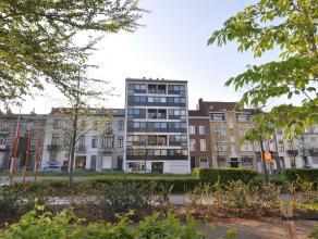 Dit ruim appartement met 2 slaapkamers is gelegen aan de Tiensepoort, tussen het station van Leuven en de Sportoase. Het centrum van Leuven, winkels,