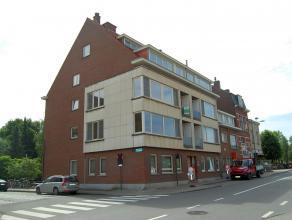 Mooi appartement met twee slaapkamers gelegen aan de stadsrand van Leuven. Het appartement is gelegen op de tweede verdieping en bestaat uit een inkom
