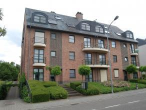 Modern appartement op rustige locatie in het centrum van Leuven. Het appartement bestaat uit een inkomhal met apart gastentoilet, ruime woonkamer, ope