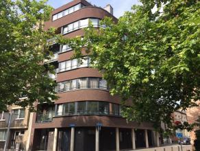 IN OPTIE na één dag! Mooi appartement (5de verd) gelegen in het centrum van Leuven. Dit appartement bestaat uit een inkomhal met apart g