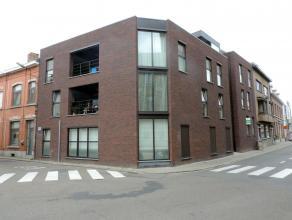 Nieuwbouw duplex-appartement met 2 slaapkamers gelegen in het centrum van Tienen, vlakbij de Hennemarkt. Dit appartement is gelegen op de eerste verdi