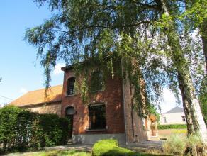 Buitengewone authentieke woning met 3 à 4 slaapkamers in een zéér rustig straatje nabijn het centrum van Haacht met een panoramis